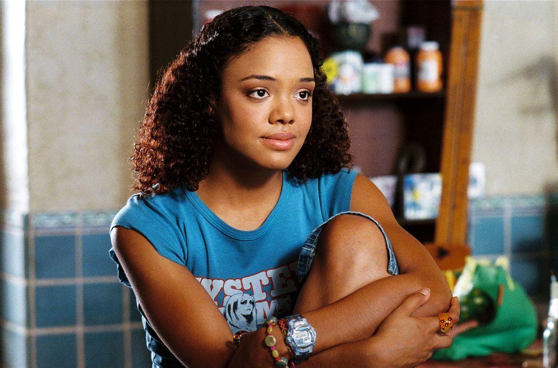 Scarlet (Tessa Thompson) steht ihren Freundinnen immer mit Rat und Tat zur Seite. Eines Tages jedoch trifft sie eine fatale Entscheidung ... - Bildquelle: 2006 Screen Gems, Inc. All Rights Reserved.