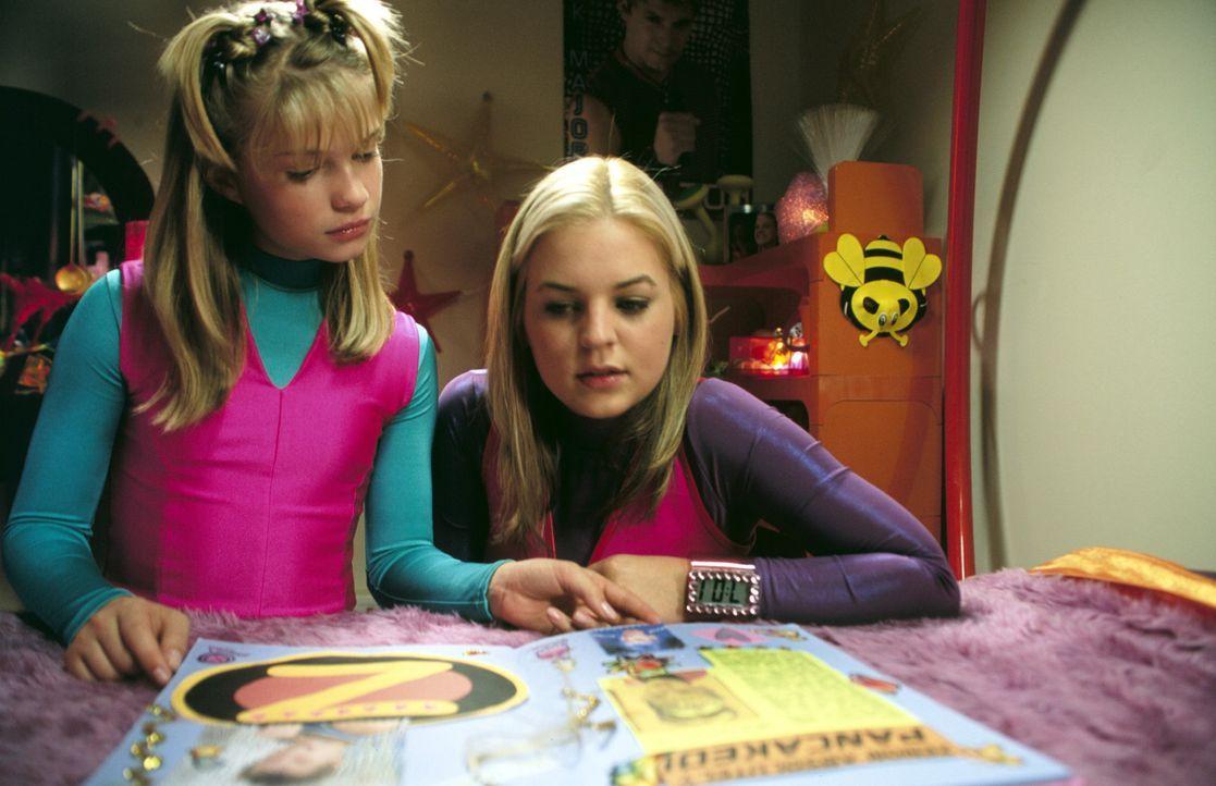 """Als Dasha (Alyson Morgan, l.) ihr Idol Zenon (Kirsten Storms, r.) kennen lernt, setzt sie alles daran, ihr """"Mini-Me"""" zu werden ... - Bildquelle: The Disney Channel"""