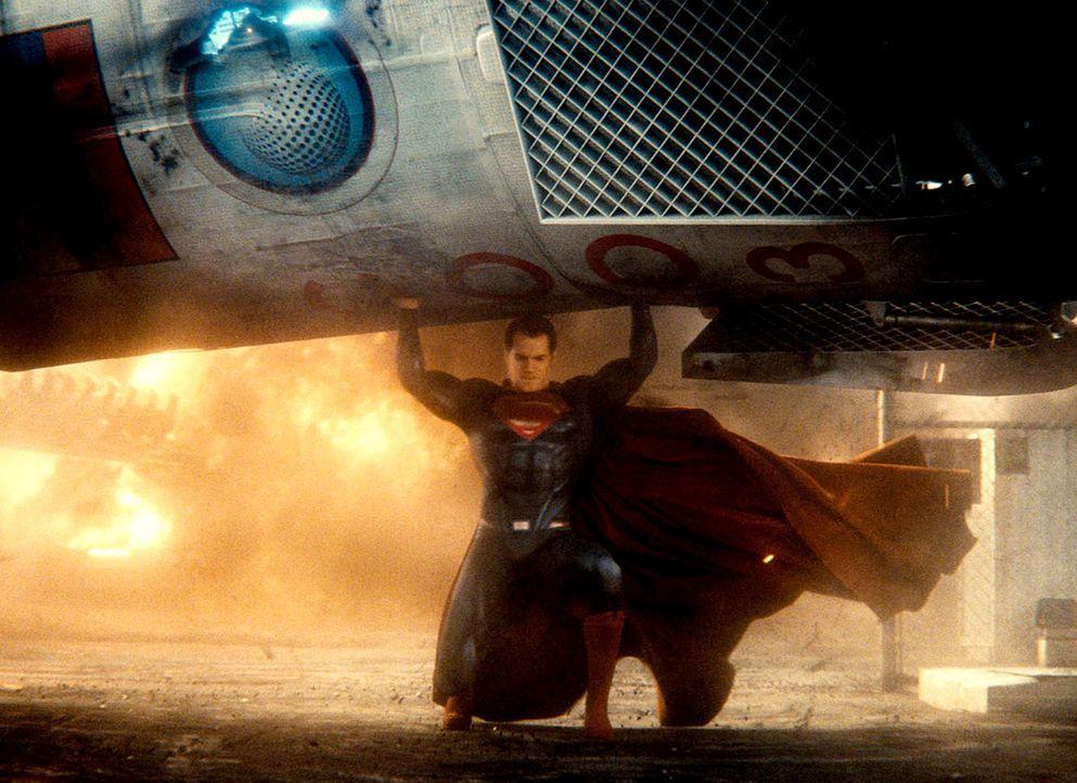Batman-vs-Superman-DOJ-13-Warner - Bildquelle: 2015 Warner Bros. Entertainment Inc. and Ratpac-Dune Entertainment LLC.  All Rights Reserved.