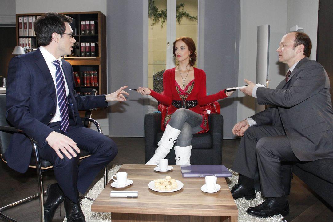 Zu Marks Überraschung unterschreibt Manu die Verträge nicht: (v.l.n.r.) Mark Braun (Arne Stephan), Manu Berlett (Marie Zielcke) und Anwalt Brecht... - Bildquelle: SAT.1