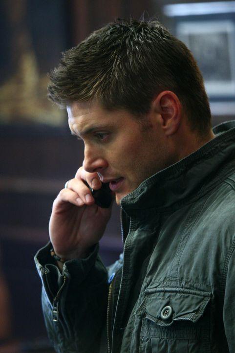 """Dean (Jensen Ackles) trifft auf einen Hexer, der ein Pokerspiel veranstaltet, bei dem der Einsatz """"Geld gegen Lebensjahre"""" lautet ... - Bildquelle: Warner Bros."""