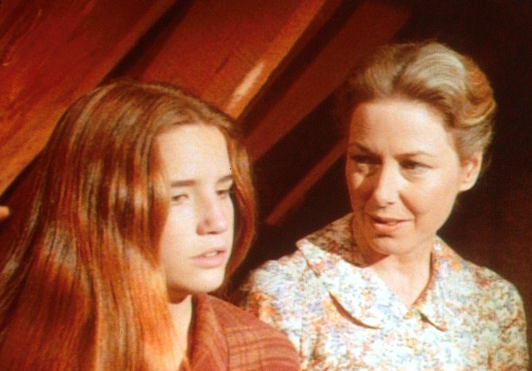 Weil sie sich auf den Rat der intriganten Nellie verlassen hat, ist Laura (Melissa Gilbert, l.) durch die entscheidende Prüfung gefallen. Caroline (... - Bildquelle: Worldvision
