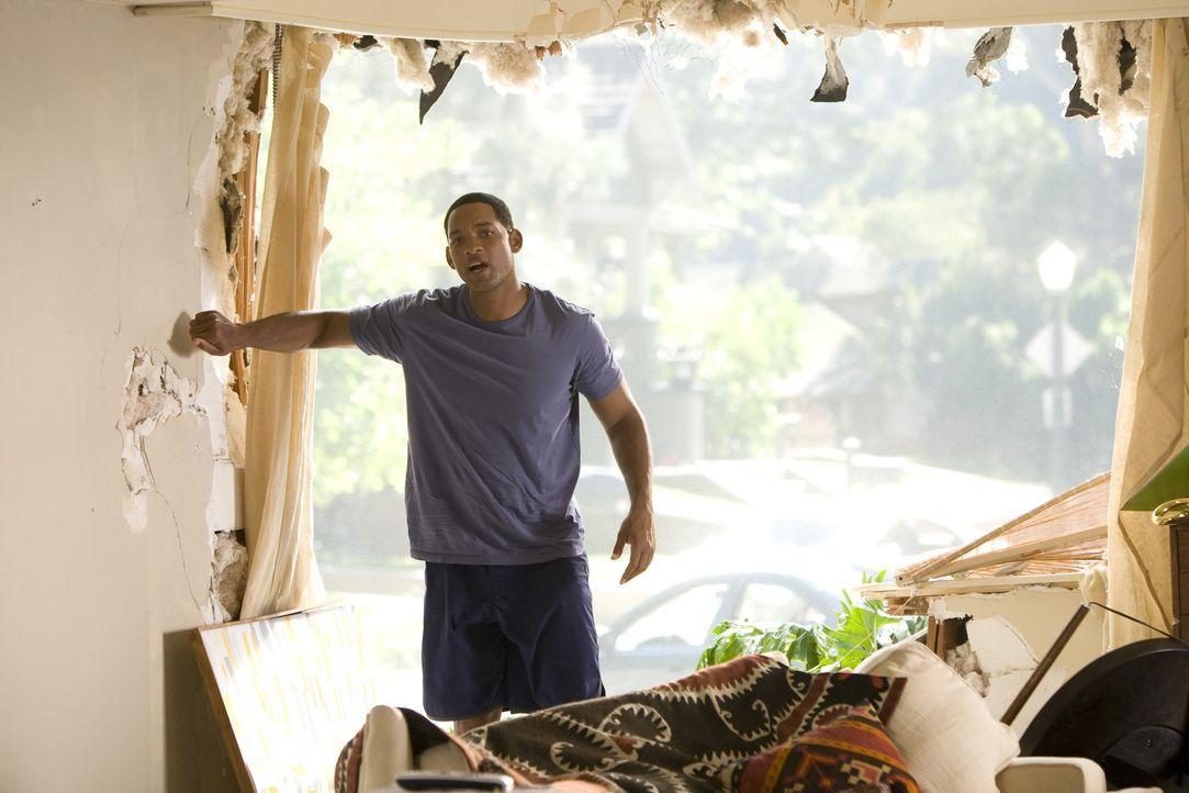 Wegen einiger gewaltiger Missgeschicke bei seinen Rettungsaktionen ist die Bevölkerung von L. A. nicht allzu gut auf den tollpatschigen Helden Hanc... - Bildquelle: Sony Pictures