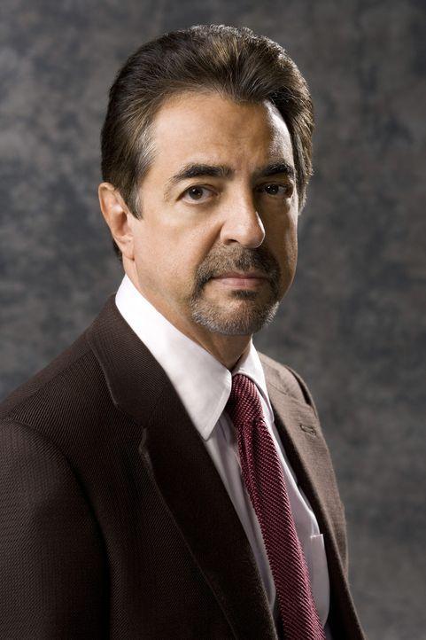 (3. Staffel) - Supervisory Special Agent David Rossi (Joe Mantegna) hat seinen Vorruhestand aufgegeben und kommt freiwillig zum B.A.U. Team zurück .... - Bildquelle: Touchstone Television