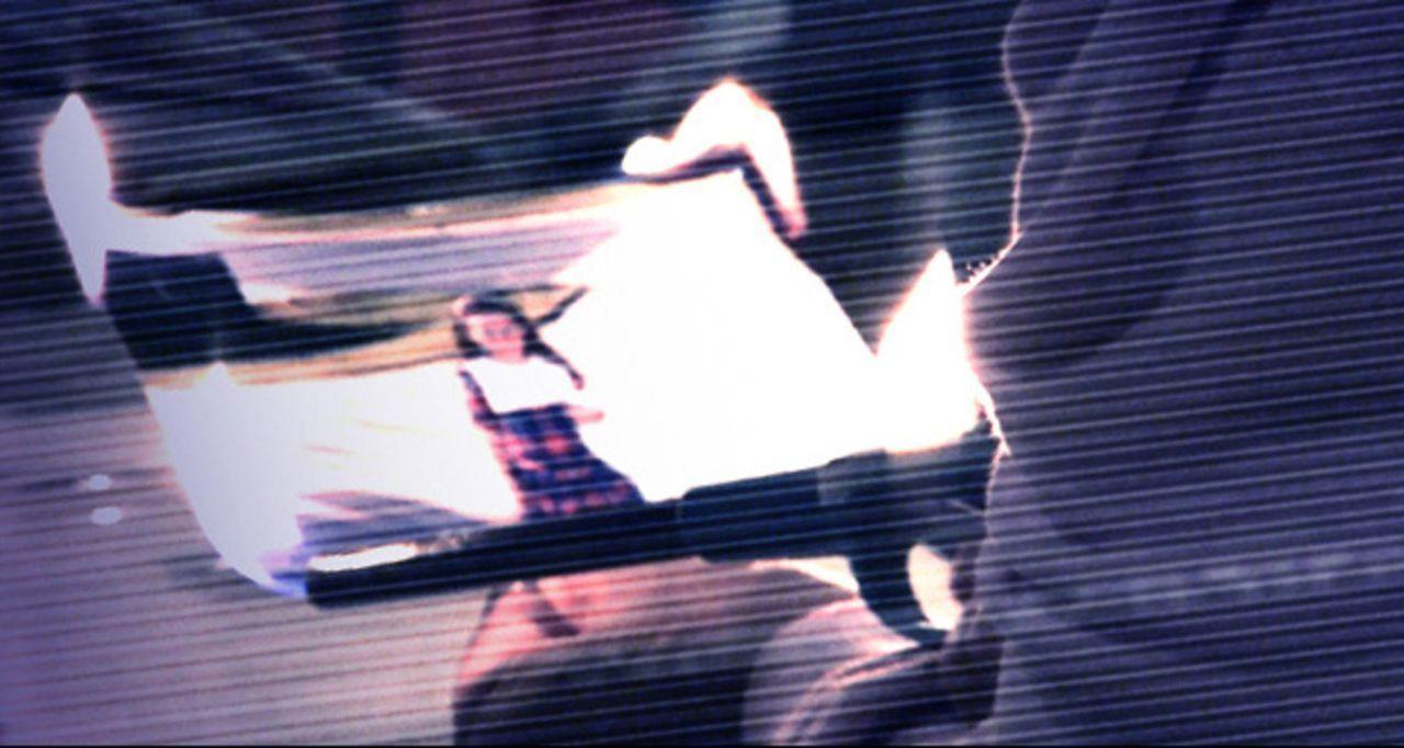 Unglücklicherweise führten die beiden Schwestern Katie und Kristi in ihrer Kindheit eine riskante Seance durch und setzten damit eine böse Macht fre... - Bildquelle: 2010 by Paramount Pictures. All Rights Reserved.