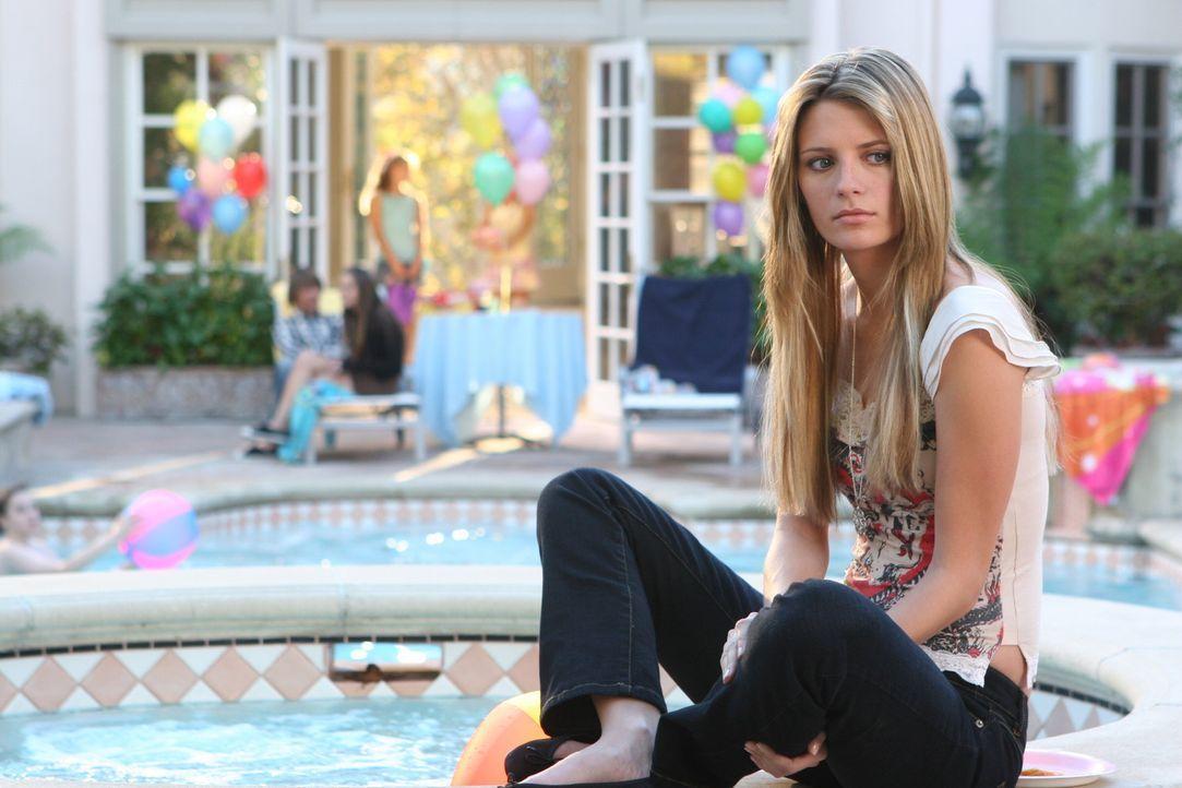 Marissa (Mischa Barton) tut alles, um ihre Schwester Kaitlin besser kennen zu lernen, doch diese sorgt wieder einmal für Ärger ... - Bildquelle: Warner Bros. Television