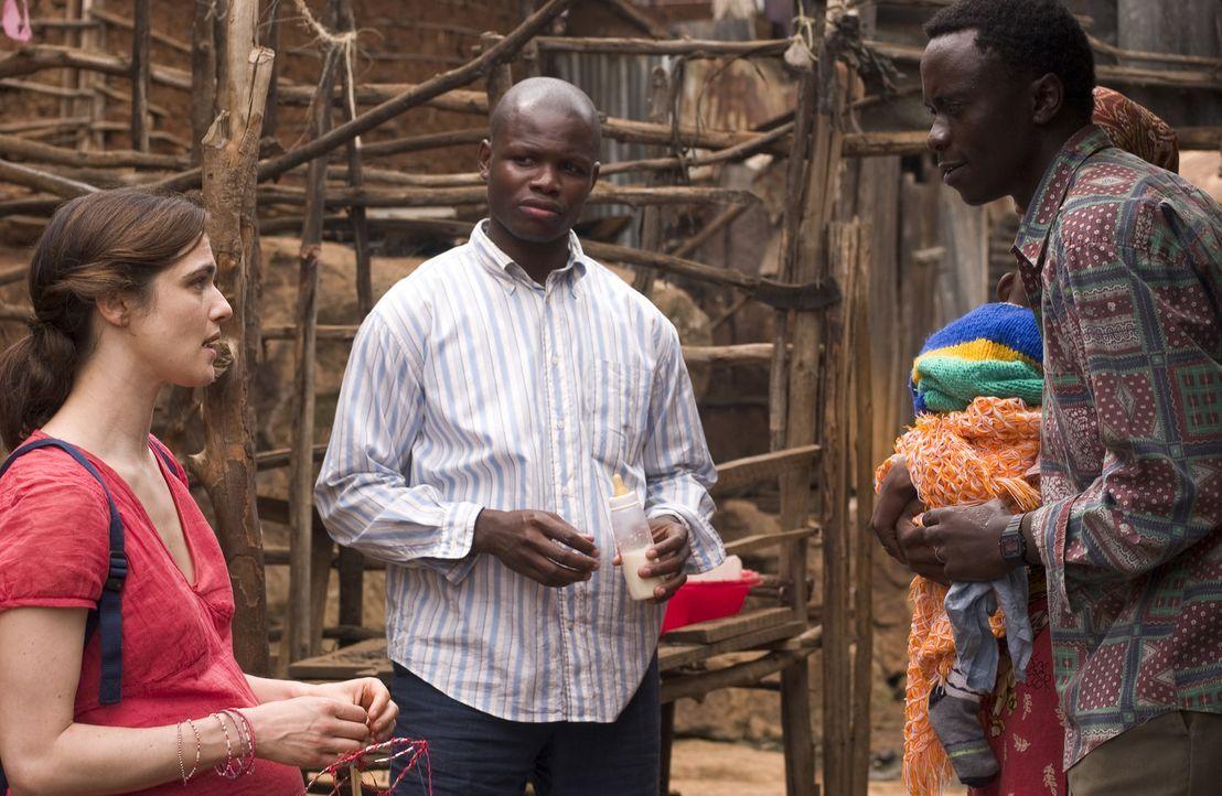 Als die Umwelt- und Menschenrechtsaktivistin Tessa Quayle (Rachel Weisz, l.) gemeinsam mit ihrem Reisebegleiter Dr. Arnold Bluhm (Hubert Koundé, M.... - Bildquelle: Epsilon Motion Pictures