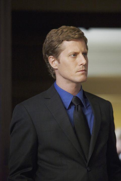Bill Parkson (Eric Sheffer Stevens), glaubt, dass seine Schwester Nikki an den Folgen ihrer Krankheit gestorben ist. Doch Megan ist anderer Meinung... - Bildquelle: ABC Studios