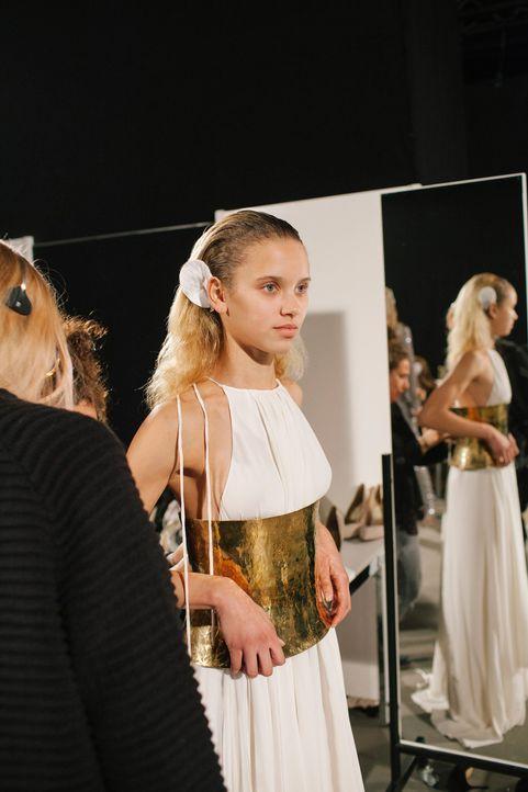 GNTM-Stf11-Epi01-erste-fashion-show-27-ProSieben-Hobmaier - Bildquelle: ProSieben/Stefan Hobmaier