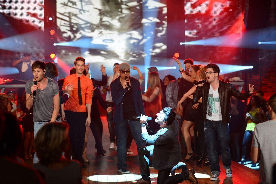 """""""Xavier Naidoo (M.) und Freunde präsentieren: Sing um Dein Leben"""" - Bildquelle: Willi Weber ProSieben"""