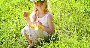 Blumenmädchen dürfen ausnahmsweise auch ein weißes Kleid tragen.