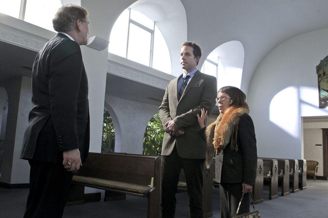 Eine aufgebrachte Witwe verdächtigt das Millitär, den Tod ihres Mannes nicht sauber aufgeklärt zu haben. Um das herauszufinden, erhoffen sich Hetty... - Bildquelle: CBS Studios Inc. All Rights Reserved.