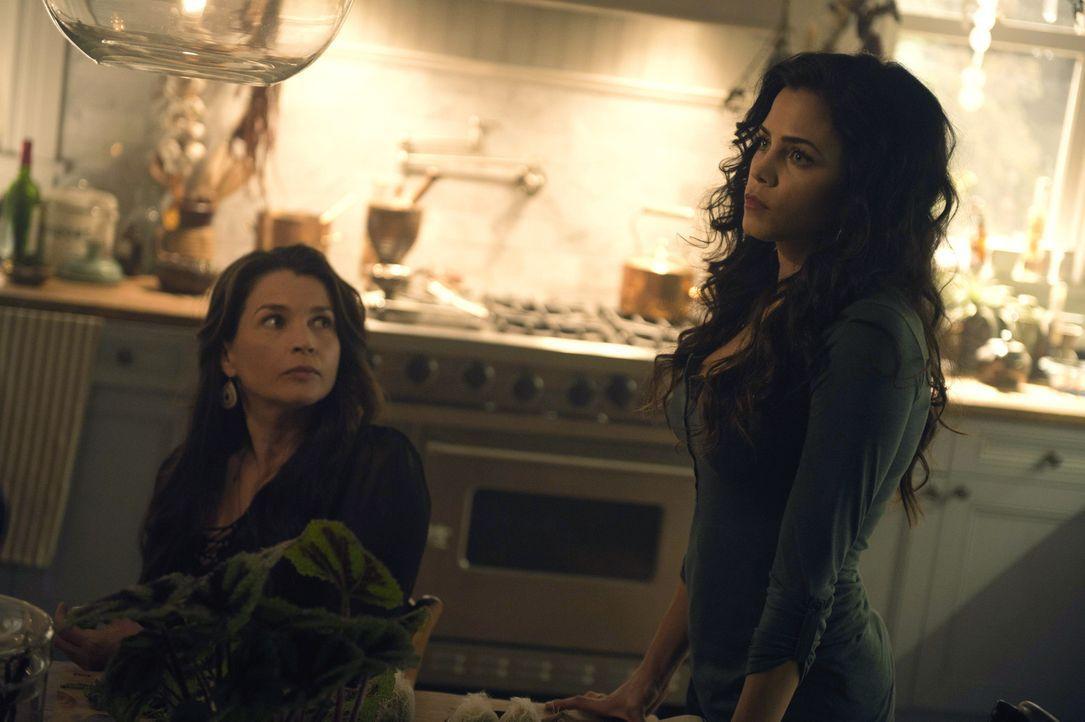 Müssen beide die Vergangenheit ruhen lassen, um Ingrid retten zu können: Joanna (Julia Ormond, l.) und Freya (Jenna Dewan-Tatum, r.) ... - Bildquelle: 2014 Twentieth Century Fox Film Corporation. All rights reserved.