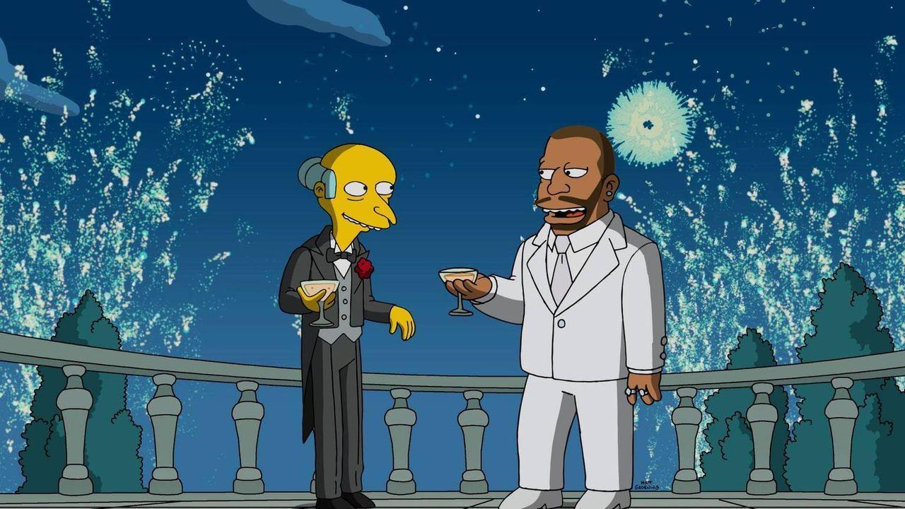 Schwört, Rache zu üben, nachdem er von einem hinterhältigen Musikmogul (r.) betrogen wurde: Mr. Burns (l.) ... - Bildquelle: 2016-2017 Fox and its related entities. All rights reserved.