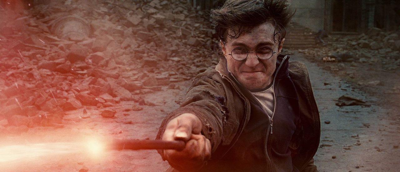 Im Kampf gegen den dunklen Lord muss Zauberlehrling Harry Potter (Daniel Radcliffe) nicht nur ein Opfer bringen. Doch wer wird schlussendlich siegen? - Bildquelle: Warner Bros. Entertainment Inc.