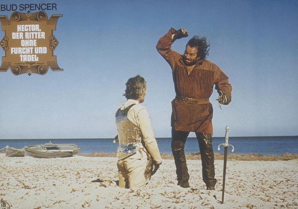 Seine Kraft setzt Ritter Hector (Bud Spencer, r.) auf unkonventionelle Art ein ...
