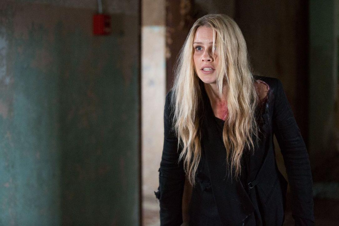 Die Geheimnisse, die eine Hexe über sie kennt, könnten Rebekah (Claire Holt) erheblich schaden ... - Bildquelle: Warner Bros. Television