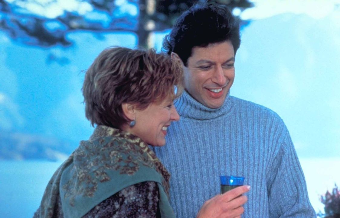 Als es wie ein Wunder gelingt, Hatch (Jeff Goldblum, r.) ins Leben zurückzuholen, glauben seine Frau Lindsey (Christine Lahti, l.) und er, endlich... - Bildquelle: TriStar Pictures