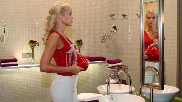 Sabrina (Nina-Friederike Gnädig) versucht ihre Scheinschwangerschaft perfekt...