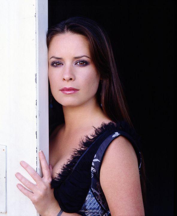 (6. Staffel) - Die sexy Hexe Piper (Holly Marie Combs) lässt sich von nichts und niemanden stoppen, um gegen das Böse einzuschreiten ... - Bildquelle: Paramount Pictures