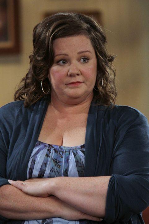 Die Grundschullehrerin Molly (Melissa McCarthy) leidet unter ihrem Übergewicht, zumal sowohl ihre Mutter als auch ihre Schwester rank und schlank s... - Bildquelle: 2010 CBS Broadcasting Inc. All Rights Reserved.