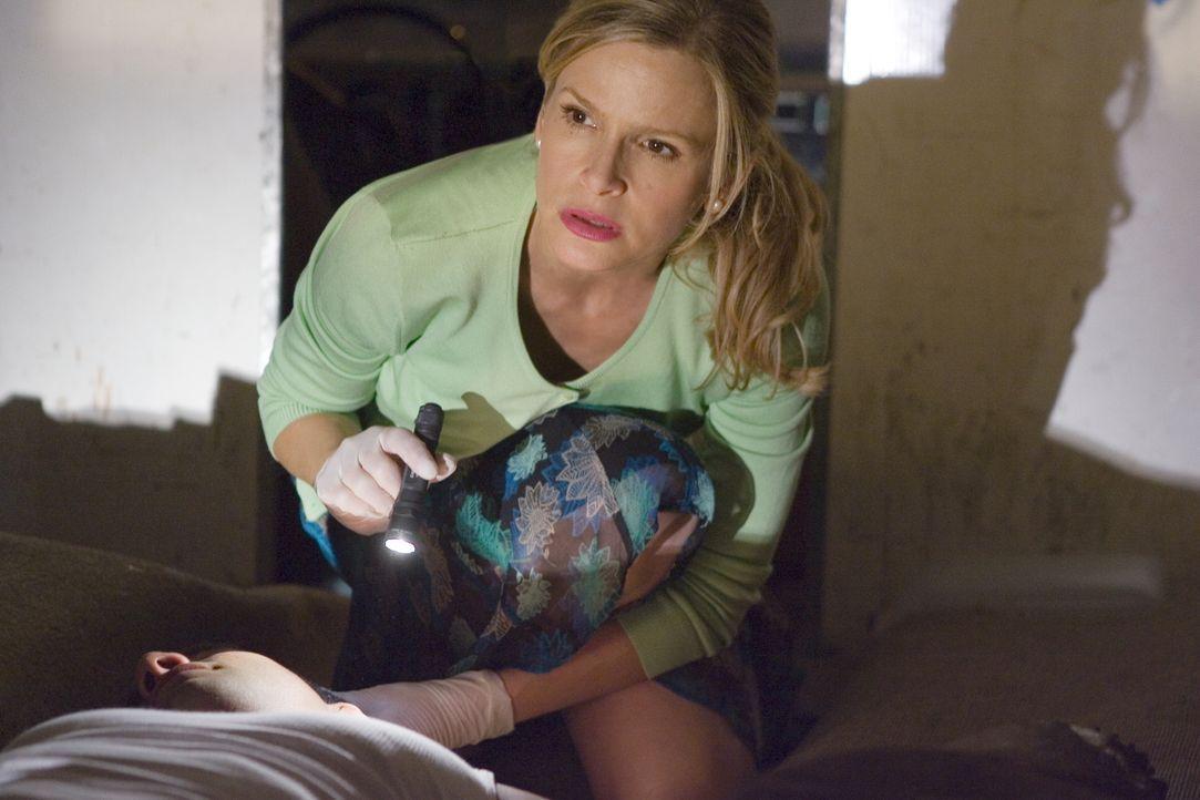 Hat Brendas (Kyra Sedgwick) neuer Fall etwas mit illegaler Einwanderung zu tun? - Bildquelle: Warner Brothers