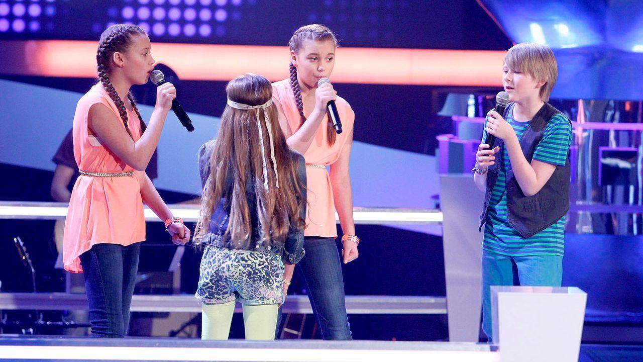 The-Voice-Kids-epi05-Giuliana-Gilliana-Tim-Fabienne-2-SAT1-Richard-Huebner - Bildquelle: SAT.1/Richard Hübner