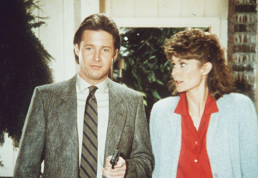 Kommen einem infamen Spiel auf die Schliche: Amanda (Kate Jackson, r.) und Lee (Bruce Boxleitner, l.) ...