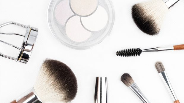 makeup-brush-1768790_1920