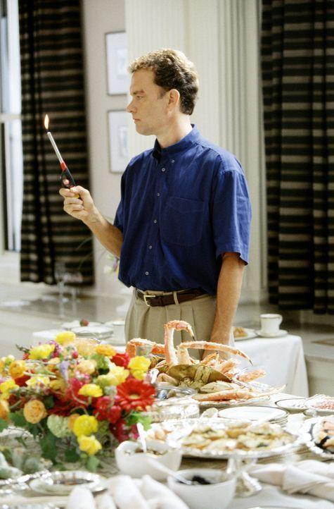Zurück in der Zivilisation, findet Chuck (Tom Hanks) eine ihm fremd gewordene Welt vor ... - Bildquelle: 2001 Twentieth Century Fox Film Corporation and Dreamworks LLC. All rights reserved