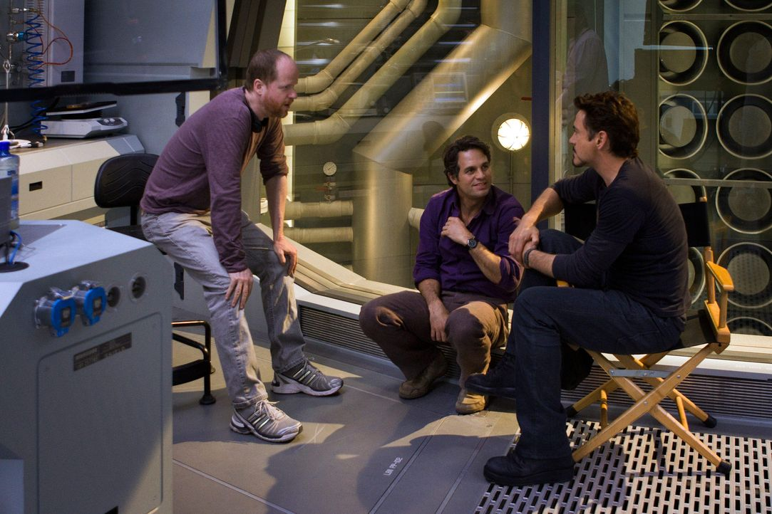 the-avengers-set-009-2011-mvlffllc-tm-2011-marveljpg 2000 x 1333 - Bildquelle: 2011 MVLFFLLC TM & 2011 Marvel