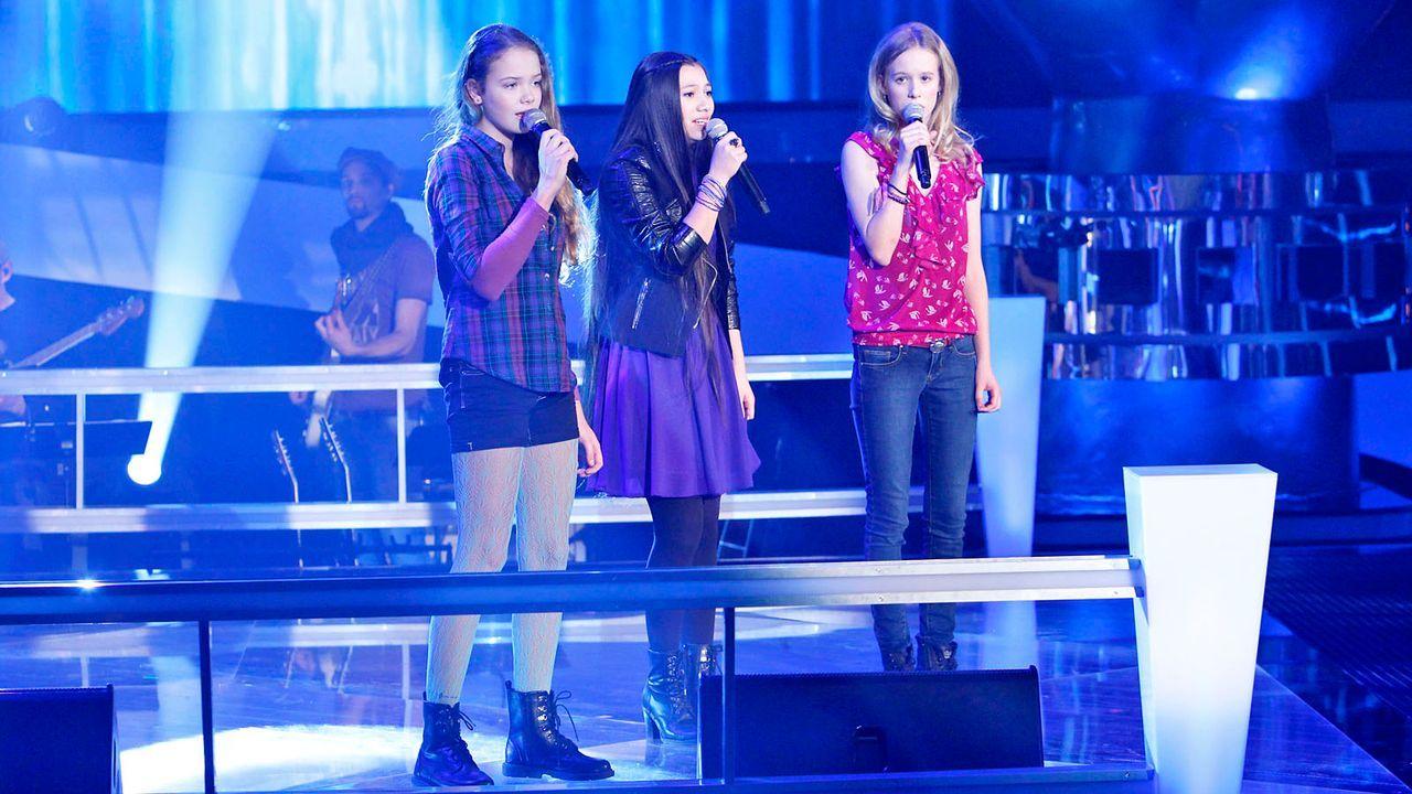 The-Voice-Kids-epi04-LaraMarie-Hannah-Kieu-27-SAT1-Richard-Huebner - Bildquelle: SAT.1/Richard Hübner