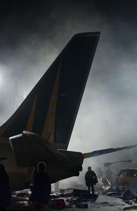 In Chicago sind zwei Flugzeuge zusammen gekracht, für die Helfen beginnt eine Wettlauf mit der Zeit ... - Bildquelle: Warner Bros. Television