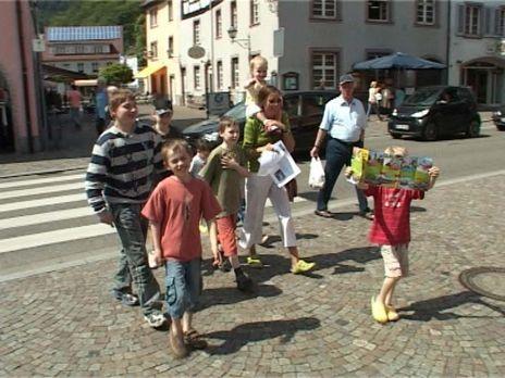 24 Stunden - Familie Landwehr hat ein Problem: Sie haben acht Kinder (2 - 14...