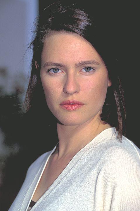 Die blinde Mascha Reinhard (Nina Kronjäger) ist trotz ihrer Behinderung durchaus in der Lage, ihren Alltag selbstständig zu meistern. Doch eines Tag... - Bildquelle: ProSieben