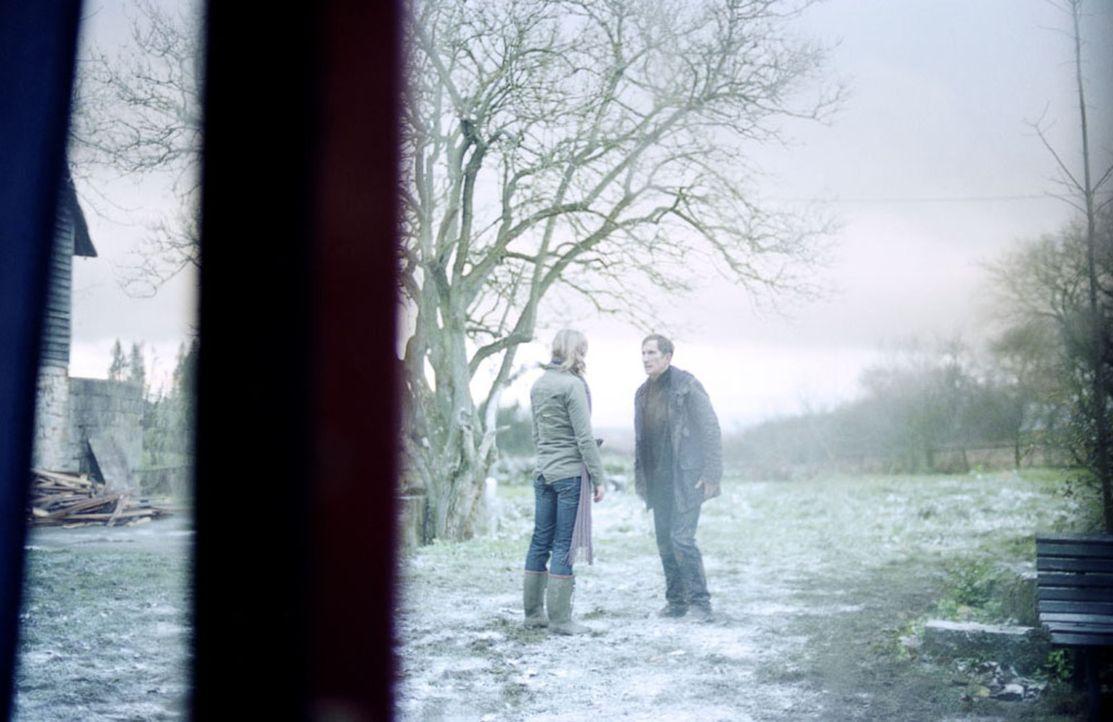 Auf der Suche nach Antworten auf seine Alpträume stößt Marc (Benno Fürmann, r.) im Dorf nur auf Ablehnung. Einzig die junge Juliana (Alexandra Maria... - Bildquelle: Kinowelt