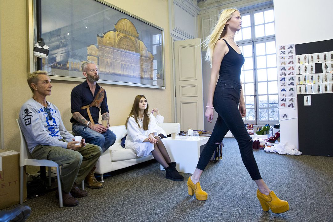 GNTM-Stf10-Epi14-Fashion-Week-Paris-043-Darya-ProSieben-Richard-Huebner - Bildquelle: ProSieben/Richard Huebner
