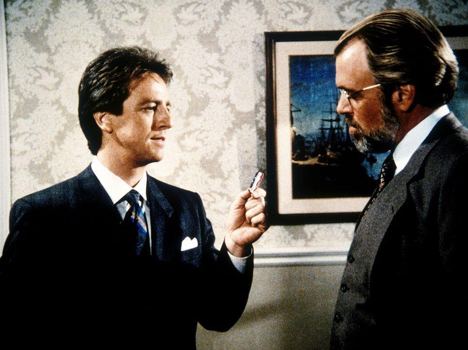 Ein dummer Zufall: Jonathan Stone (David Haskell, l.) fällt dem Landesverräter Brody (Michael MacRae, r.) in die Hände ...