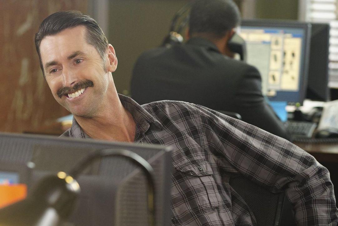 Unterstützt seine Kollegen so gut er kann: Donovan (Kirk Fox) ... - Bildquelle: Warner Brothers