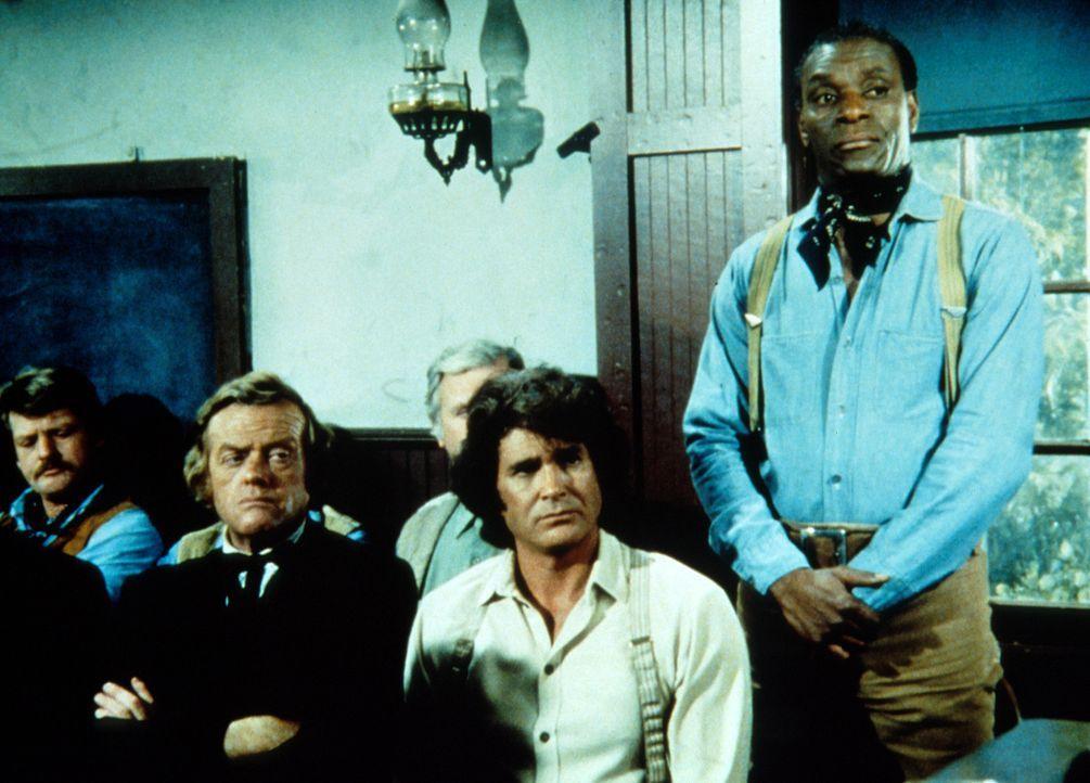 """Charles (Michael Landon, 2.v.r.) ist überrascht, als Kagan (Moses Gunn, r.) für """"nicht schuldig"""" stimmt ... - Bildquelle: Worldvision"""