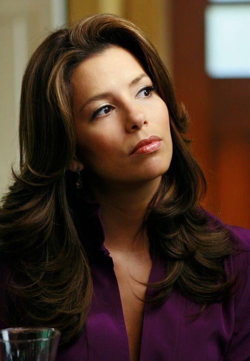 Gabrielle (Eva Longoria) versucht vergeblich, von ihrem neuen Ehemann Victor mehr Aufmerksamkeit und Zeit zu erhalten, um Carlos von Edie zurückzuge... - Bildquelle: ABC Studios