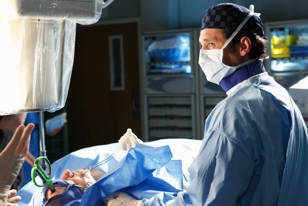Gibt alles, um einem Patienten, der eine Schere im Kopf stecken hat, das Leben zu retten: Derek (Patrick Dempsey) ... - Bildquelle: ABC Studios