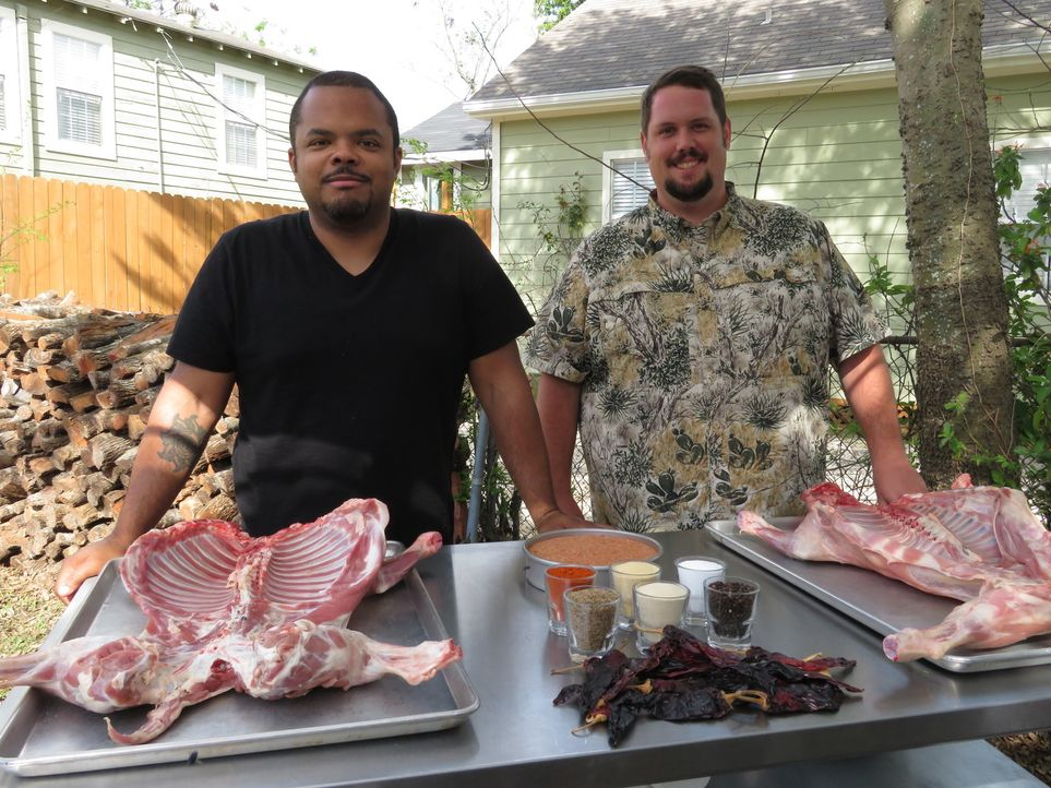 Roger Mooking (l.); Grant Pinkterton (r.) - Bildquelle: 2017, Television Food Network, G.P. All Rights Reserved.