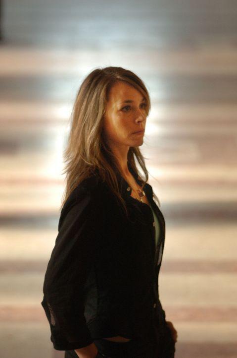 Welche Rolle spielt die dubiose Anya (Eva Pope) in dem Entführungsdrama? - Bildquelle: 2006 Micro Fusion 2005-1 LLP. All rights reserved.