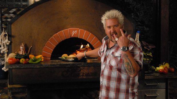 Egal was Guy Fieri zubereitet, es wird eine Gaumenfreude ... © 2012, Televisi...