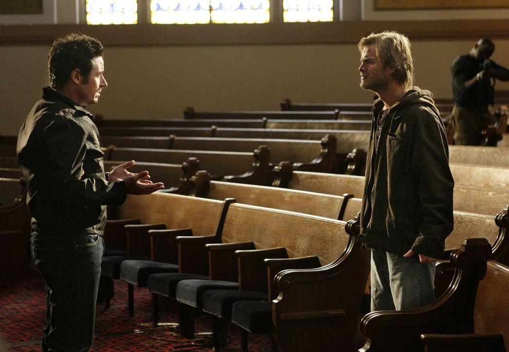 Buck Winters (David Gallagher, r.), der Geliebte von Crystal Hoyle, die Don (Rob Morrow, l.) seinerzeit erschießen musste, flüchtet zusammen mit z... - Bildquelle: Paramount Network Television