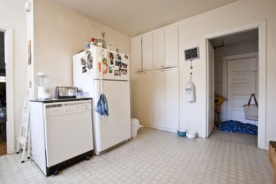 Dank Profihandwerker Josh bekommt die alte Küche von Nate und Lacadia endlich ein Makeover ... - Bildquelle: Martin Klimek 2013,DIY Network/Scripps Networks, LLC. All Rights Reserved / Getty Images