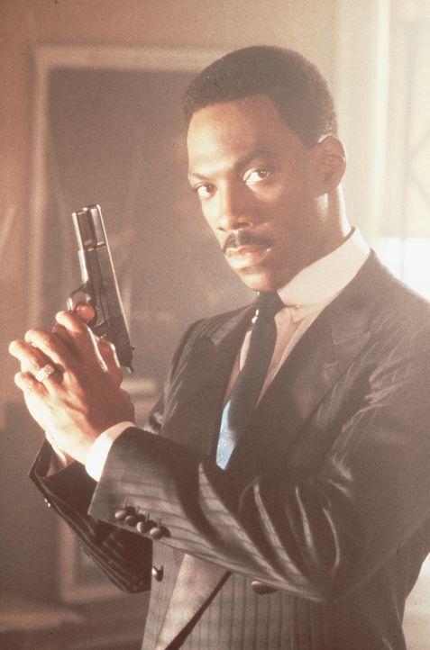 Schnatter-Cop Axel Foley (Eddie Murphy) ist dem internationalen Waffenschieber Maxwell ... - Bildquelle: Paramount Pictures