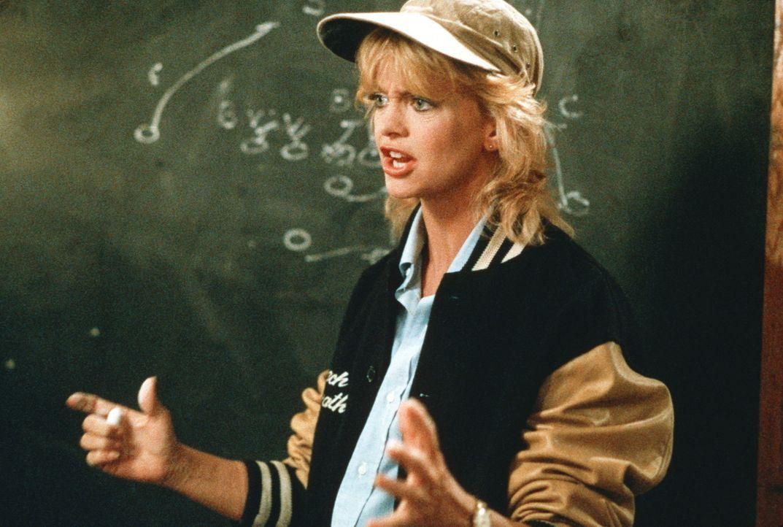 Die Taktik für das nächste Spiel steht fest: Zumindest für Molly McGrath (Goldie Hawn) ... - Bildquelle: Warner Bros.