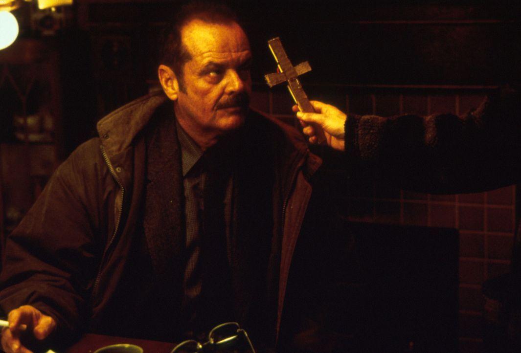 Jerry Black (Jack Nicholson) schwört den Eltern der kleinen Jenny Larson, den Mörder ihrer Tochter zu finden ... - Bildquelle: Warner Bros.
